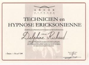 Diplome de technicienne en hypnose Ericksonienne.